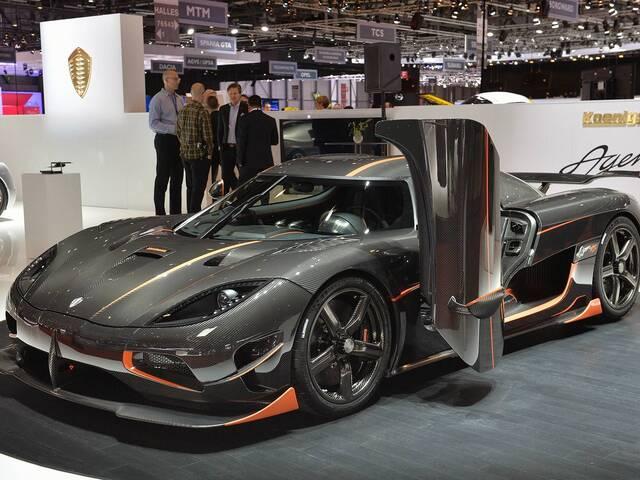 碳纤维车身和铝合金车身比较